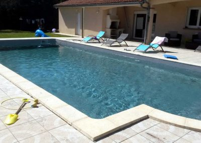 liner-piscine-gris-mouchete